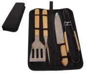Kit churrasco com 4 peças em inox em cabo de madeira e estojo em nylon