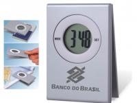 Relógio em PVC personalizado com prendedor